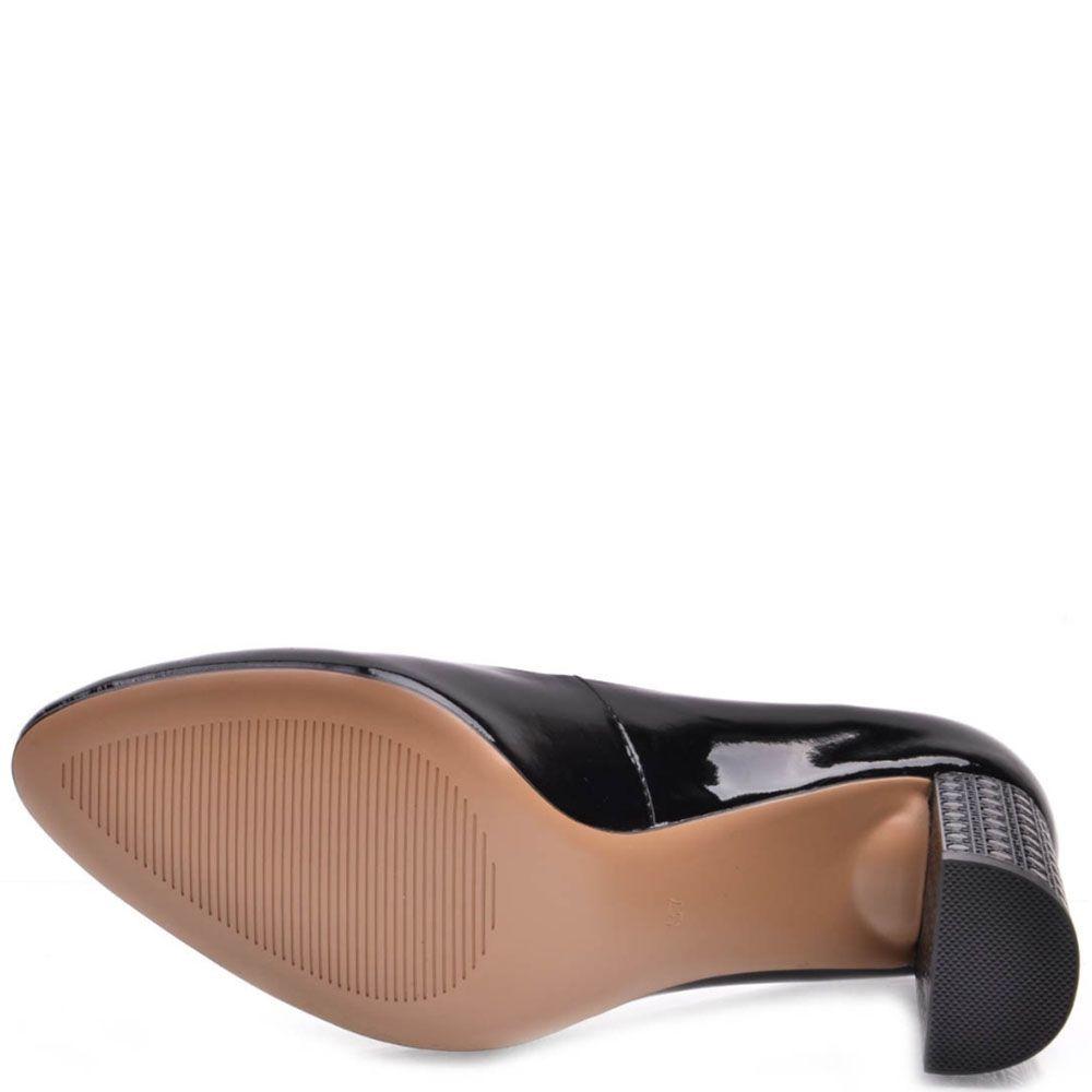 Туфли Prego из натуральной лаковой кожи на узорном каблуке