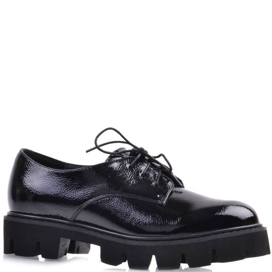 Ботинки Prego черного цвета кожаные лаковые с толстой рельефной подошвой и тонкими шнурками