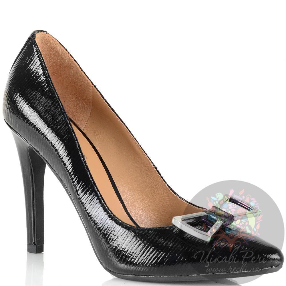 Туфли-лодочки Armani Jeans черные кожаные лаковые с металлической пряжкой-бантом
