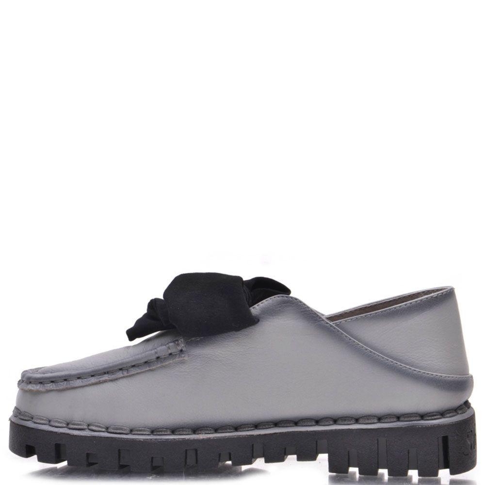 Туфли Prego из кожи серого цвета с черным бантом на язычке