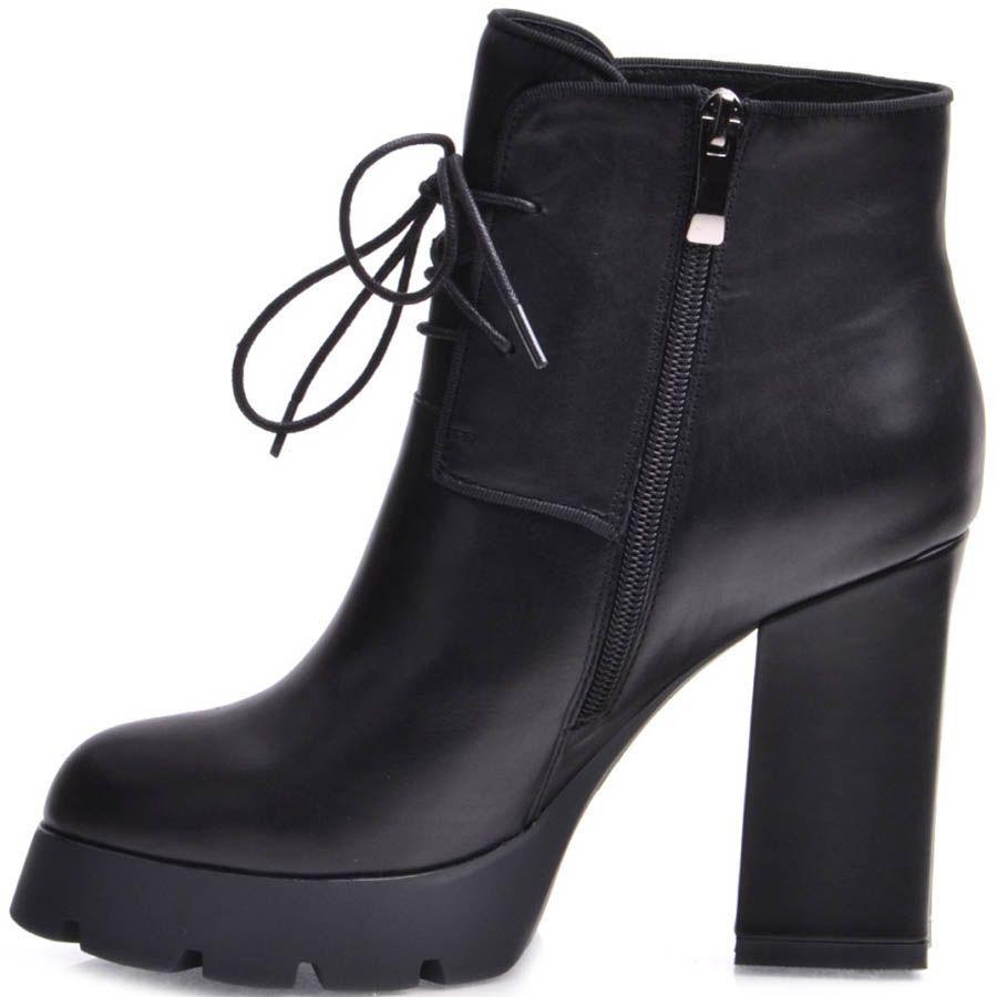 Ботильоны Prego черного цвета со шнуровкой на высоком каблуке и рельефной подошве