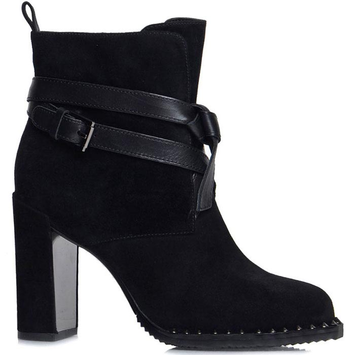 Ботинки Prego из натуральной замши черного цвета с ремешком на высоком каблуке