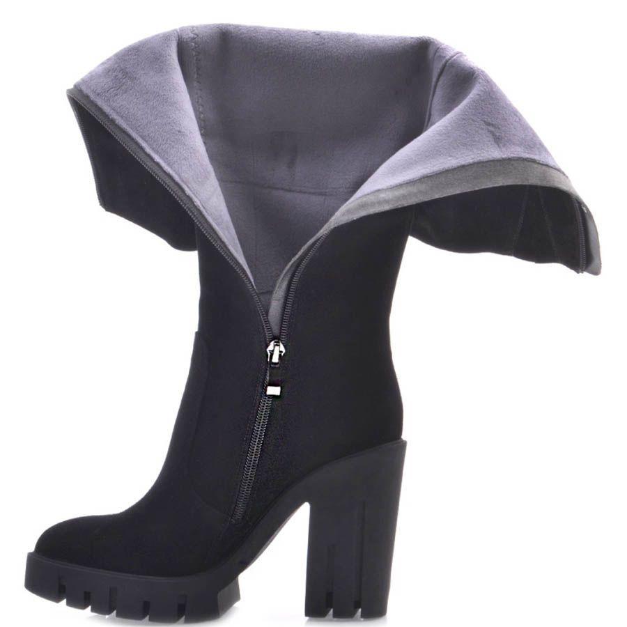 Сапоги Prego осение черного цвета замшевые с толстым высоким каблуком и рельефной подошвой