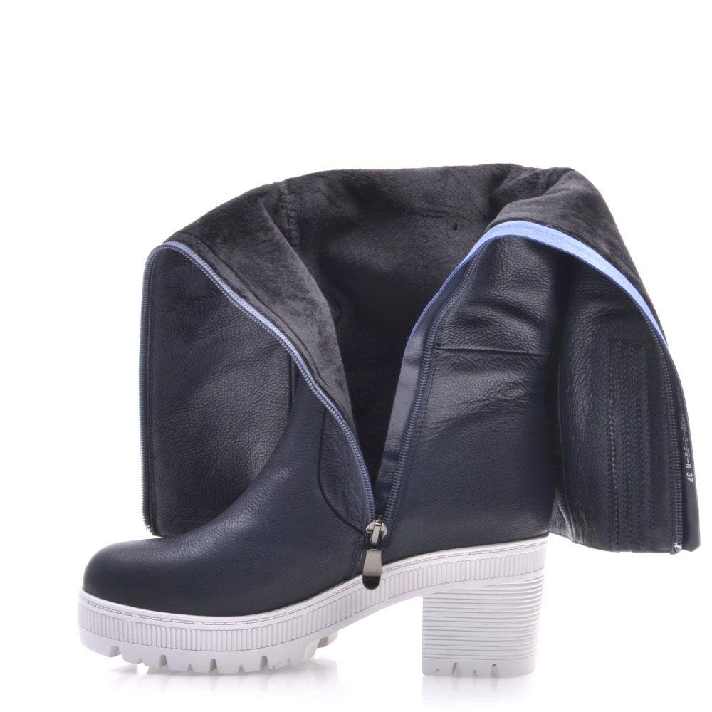 Демисезонные сапоги Prego из кожи синего цвета на среднем устойчивом каблуке