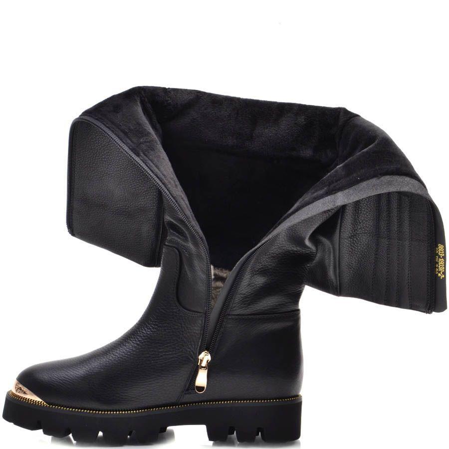Сапоги Prego зимние черного цвета из натуральной кожи с зурчастой подошвой и золотистой вставкой на носочке