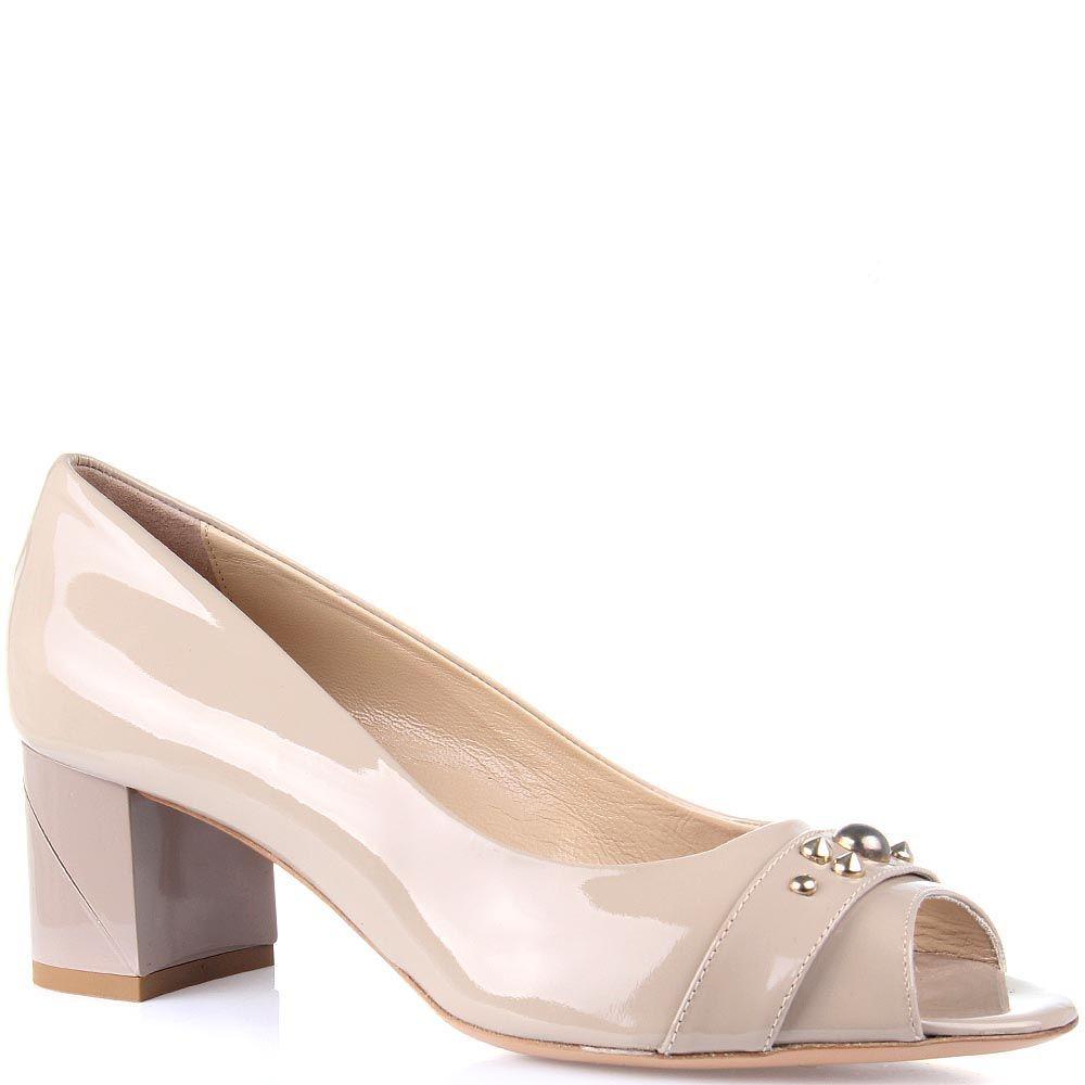 Женские туфли Baldinini из бежевой лаковой кожи на устойчивом каблуке