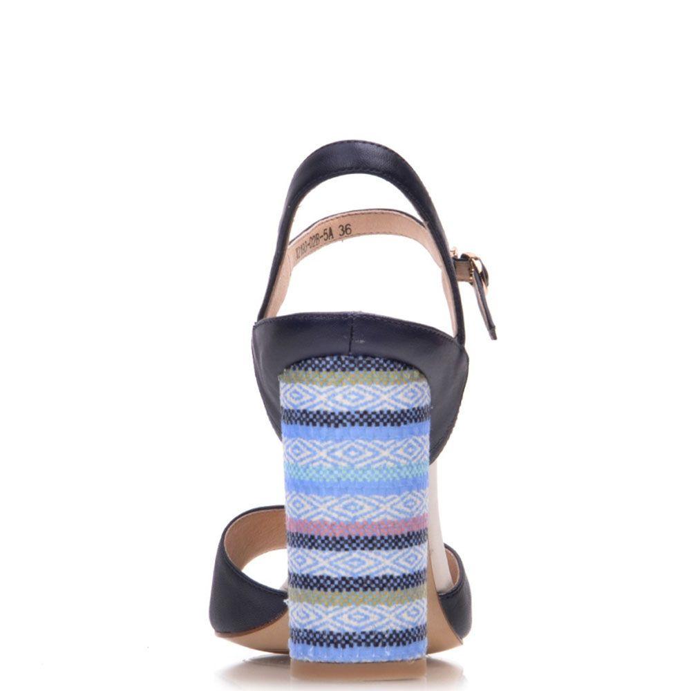 Босоножки Prego из натуральной кожи синего цвета с каблуком в разноцветную полоску