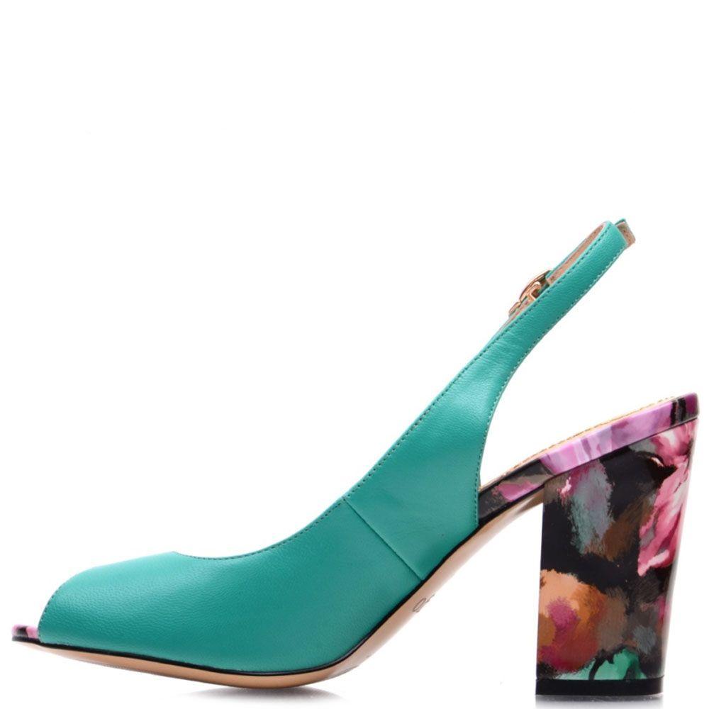 Кожаные босоножки Prego салатового цвета на каблуке с ярким принтом
