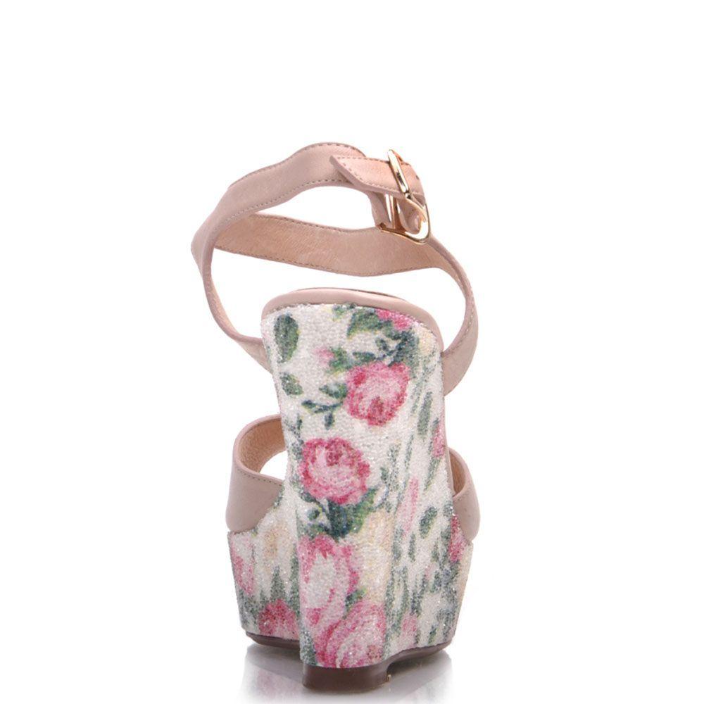 Босоножки Prego из натуральной кожи нежно-розового цвета на высокой танкетке с цветочным принтом