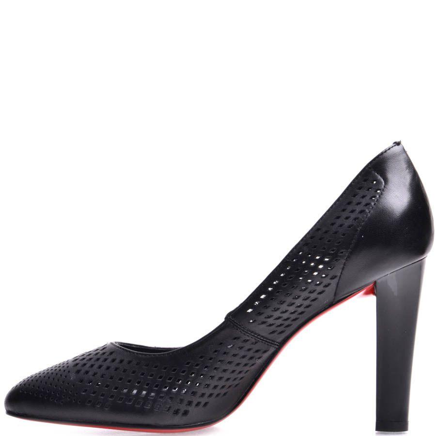 Туфли Prego женские на каблуке черного цвета со сквозными дырочками