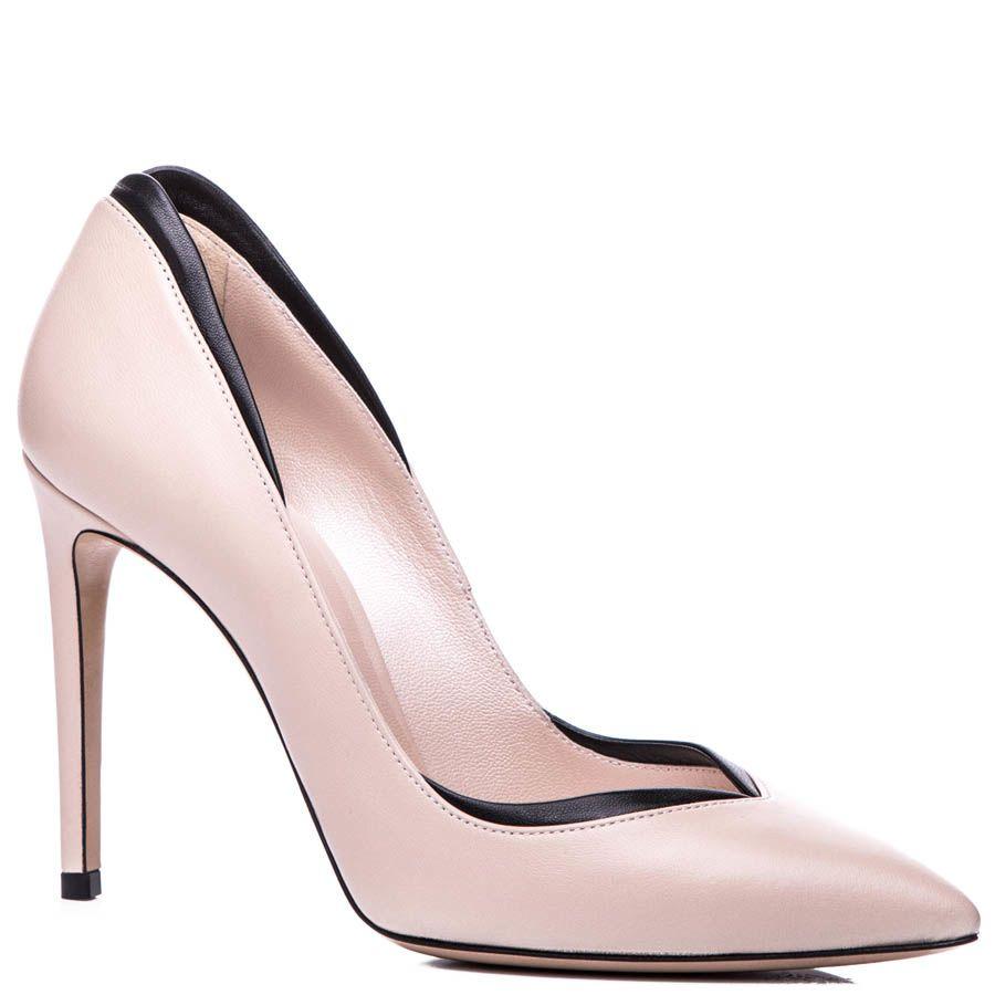 Туфли-лодочки Casadei бежевого цвета с v-образным вырезом на носочке и лаковой окантовкой черного цвета