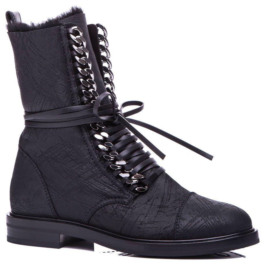 Ботинки Casadei черного цвета на меху с металлической цепочкой для шнуровки