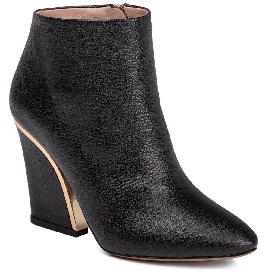 Ботильоны Chloe черного цвета с золотистой вставкой на каблуке