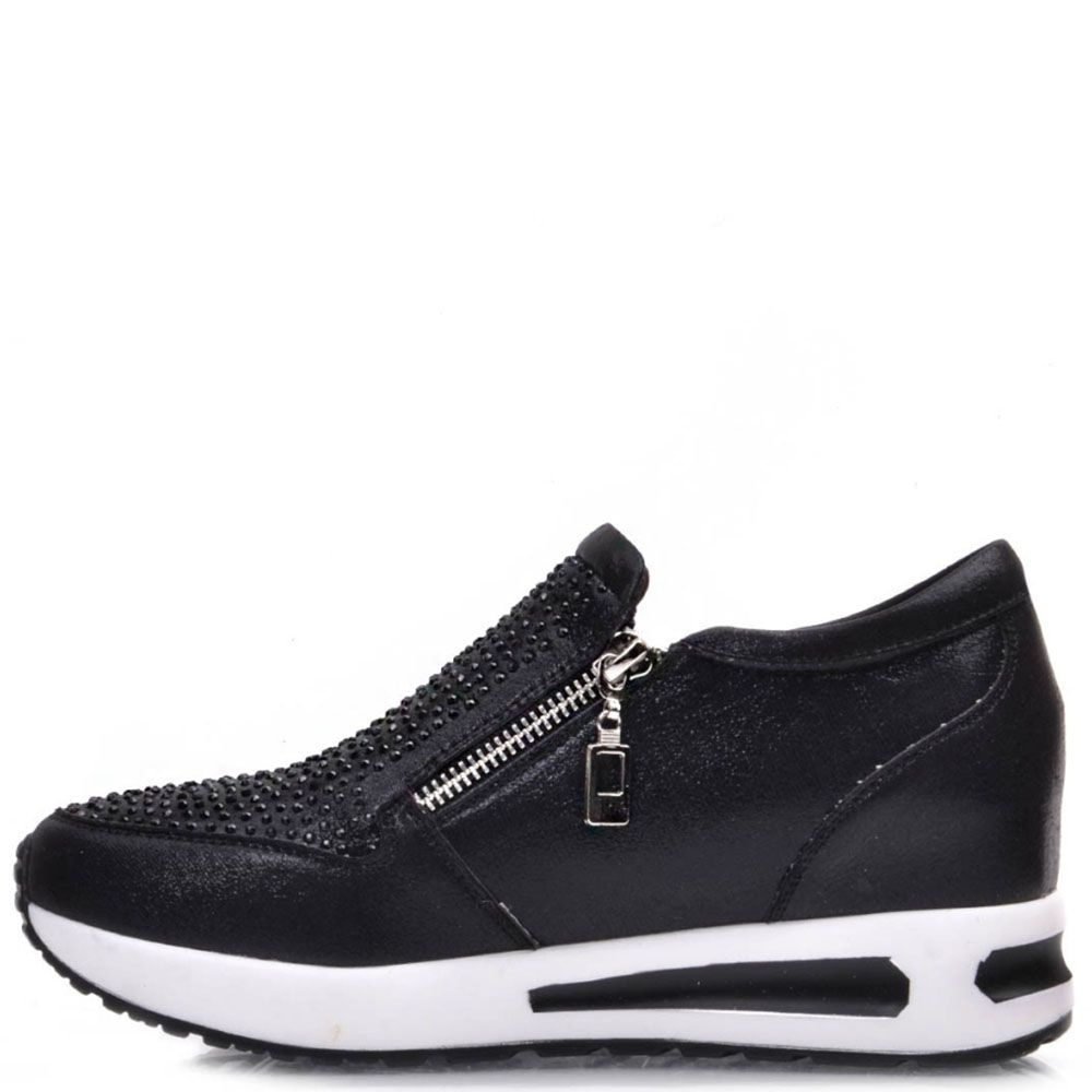 Кроссовки Prego черного цвета с кожаными вставками и стразами