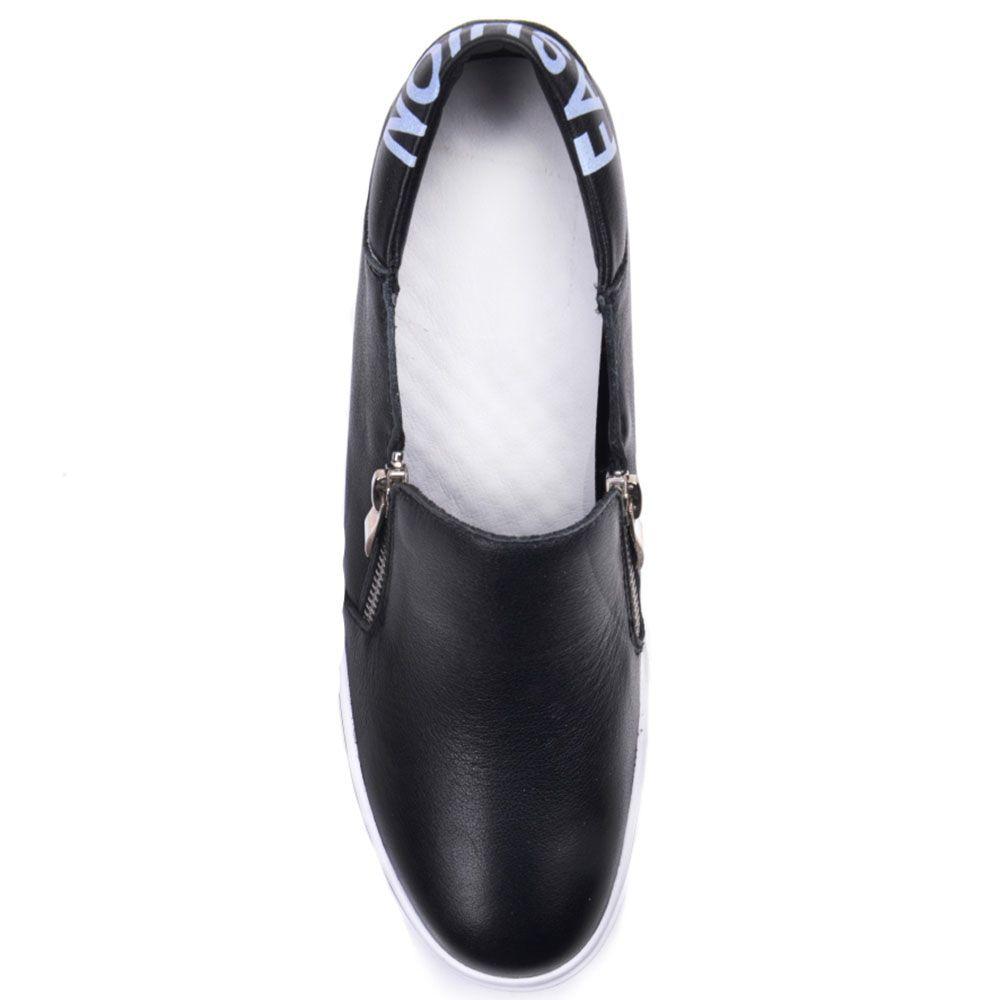 Слипоны Prego из кожи черного цвета с декоративными замочками на скрытой танкетке