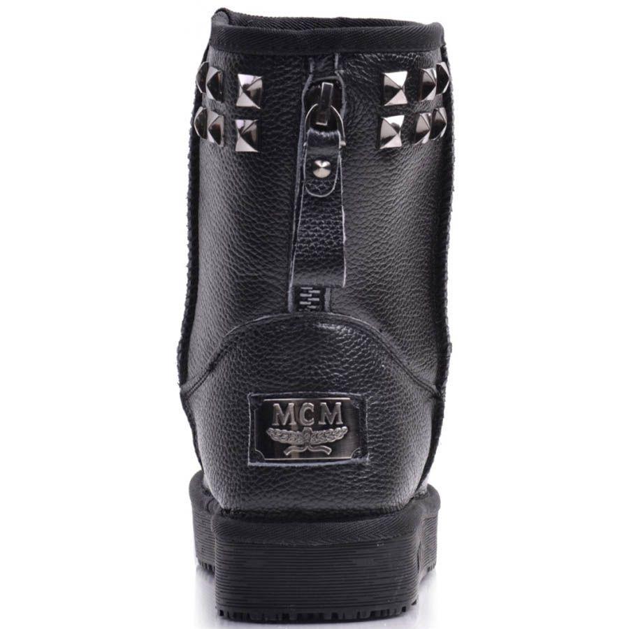 Ботинки Prego зимние кожаные черного цвета на меху с металлическими заклепками