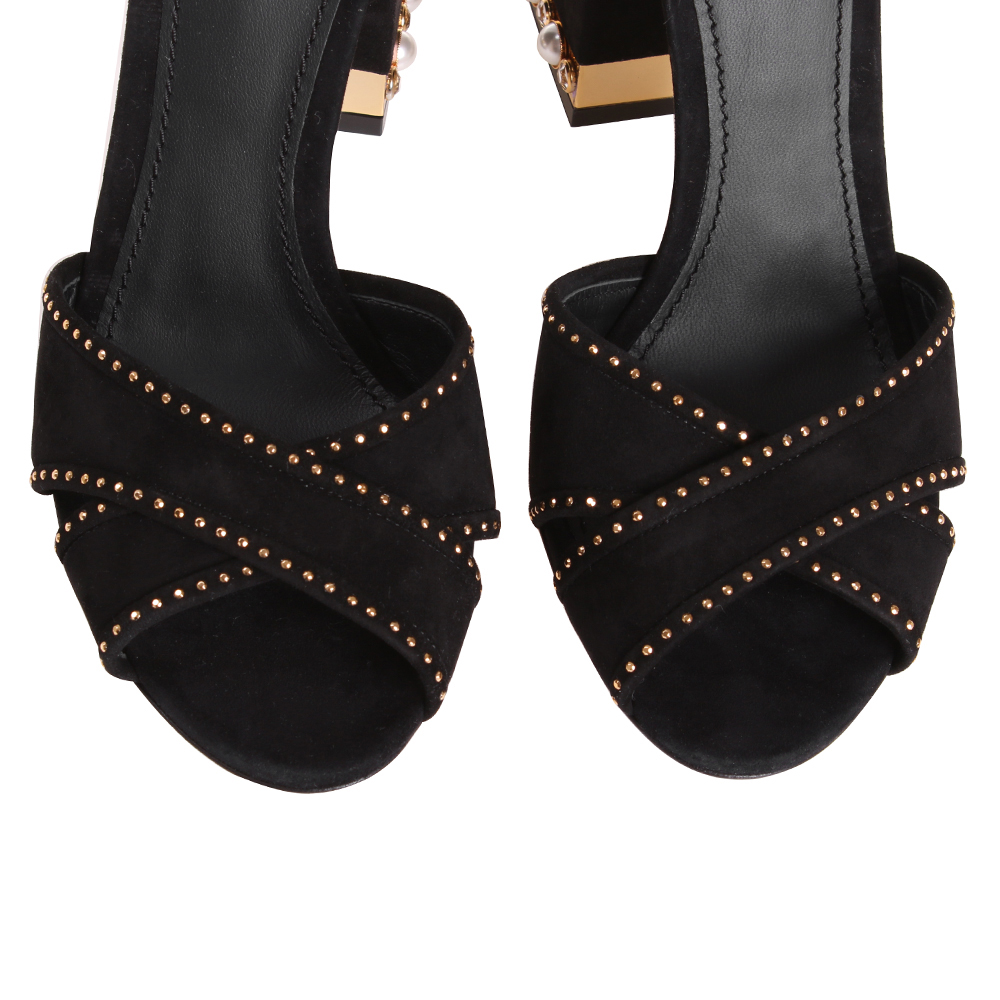 Замшевые босоножки Dolce&Gabbana со стразами и длинным ремешком