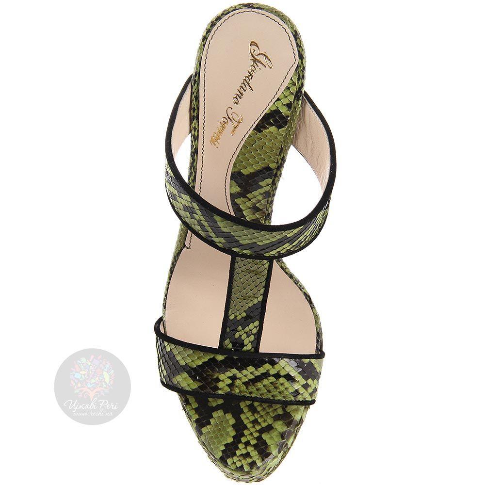 Сабо Giordano Torresi из кожи с тиснением рептилии зеленого цвета
