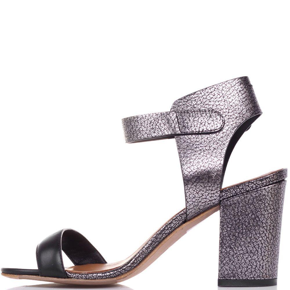 Босоножки The Seller Julie Dee серого цвета на широком каблуке