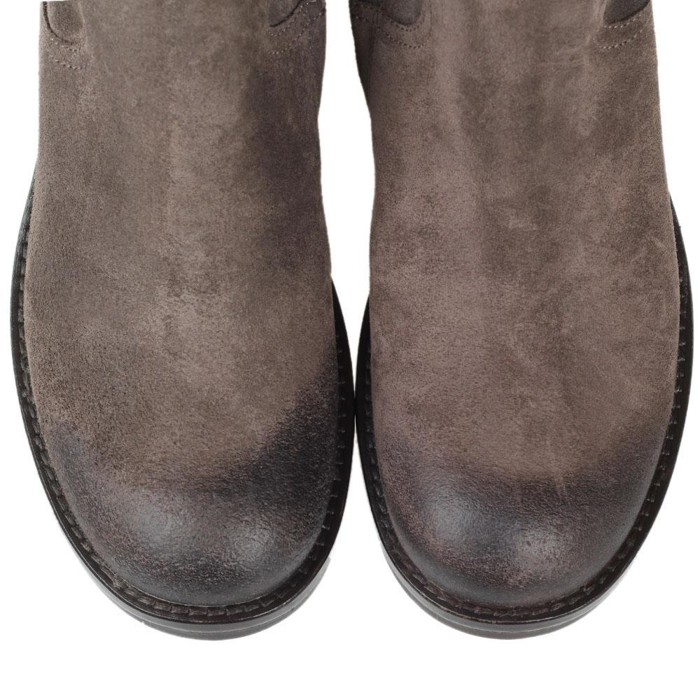 Замшевые сапоги The Seller JD серого цвета на рельефной подошве и толстом каблуке
