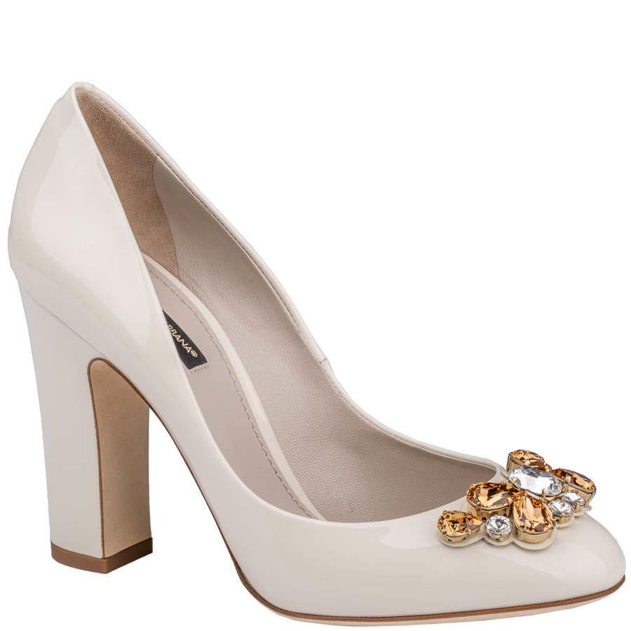 Туфли Dolce & Gabbana лаковые бежевого цвета с кристаллами