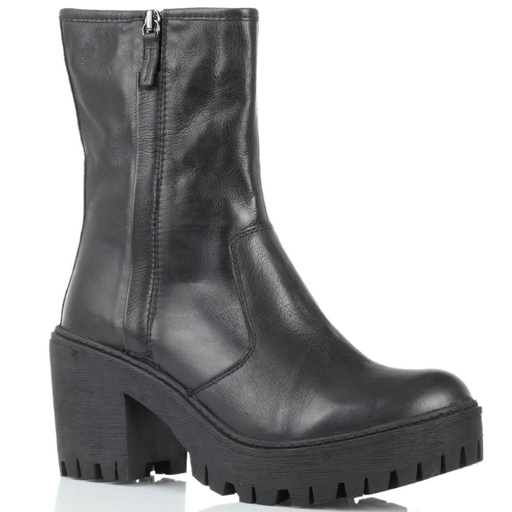 Черные кожаные ботинки Studio Italia на рельефной подошве и толстом каблуке