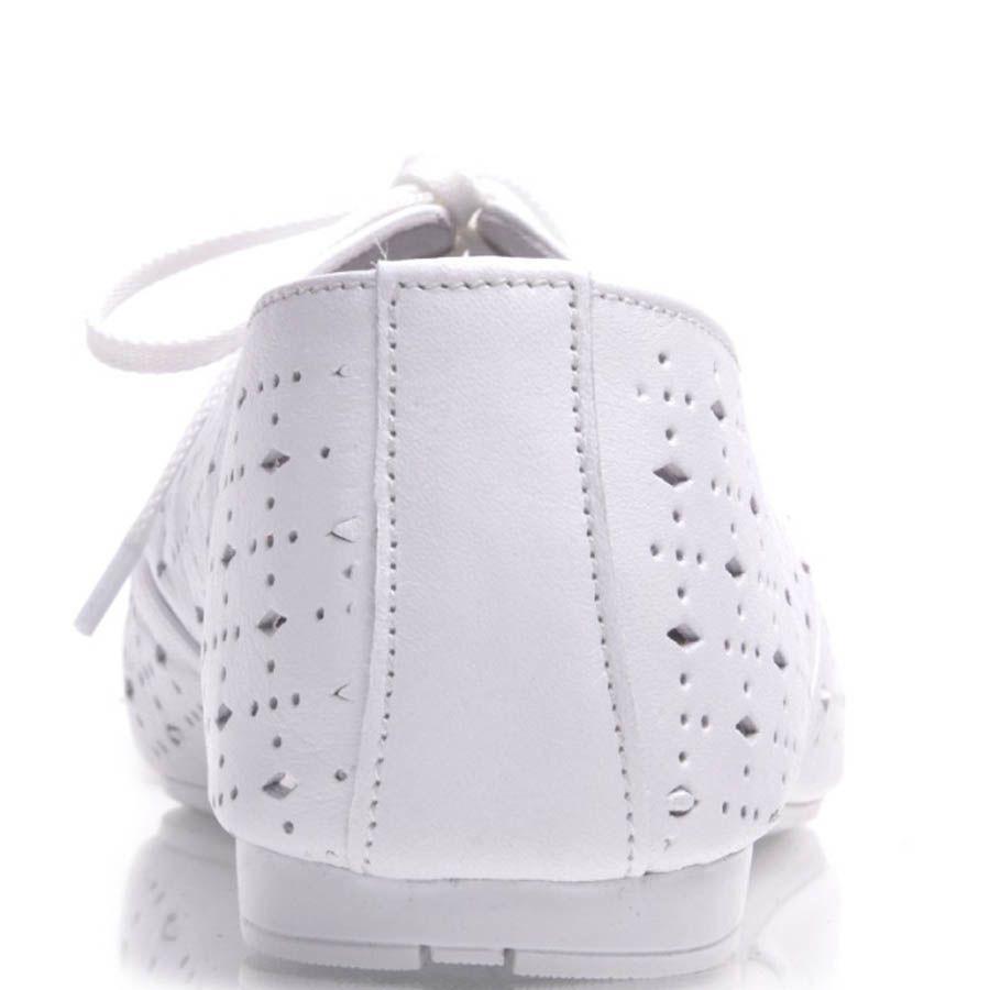 Туфли Prego кожаные белого цвета на шнуровке с перфорацией