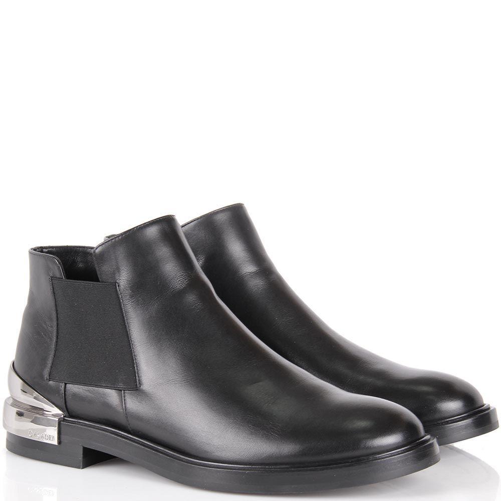 Ботинки Casadei черного цвета с металлической вставкой на пятке