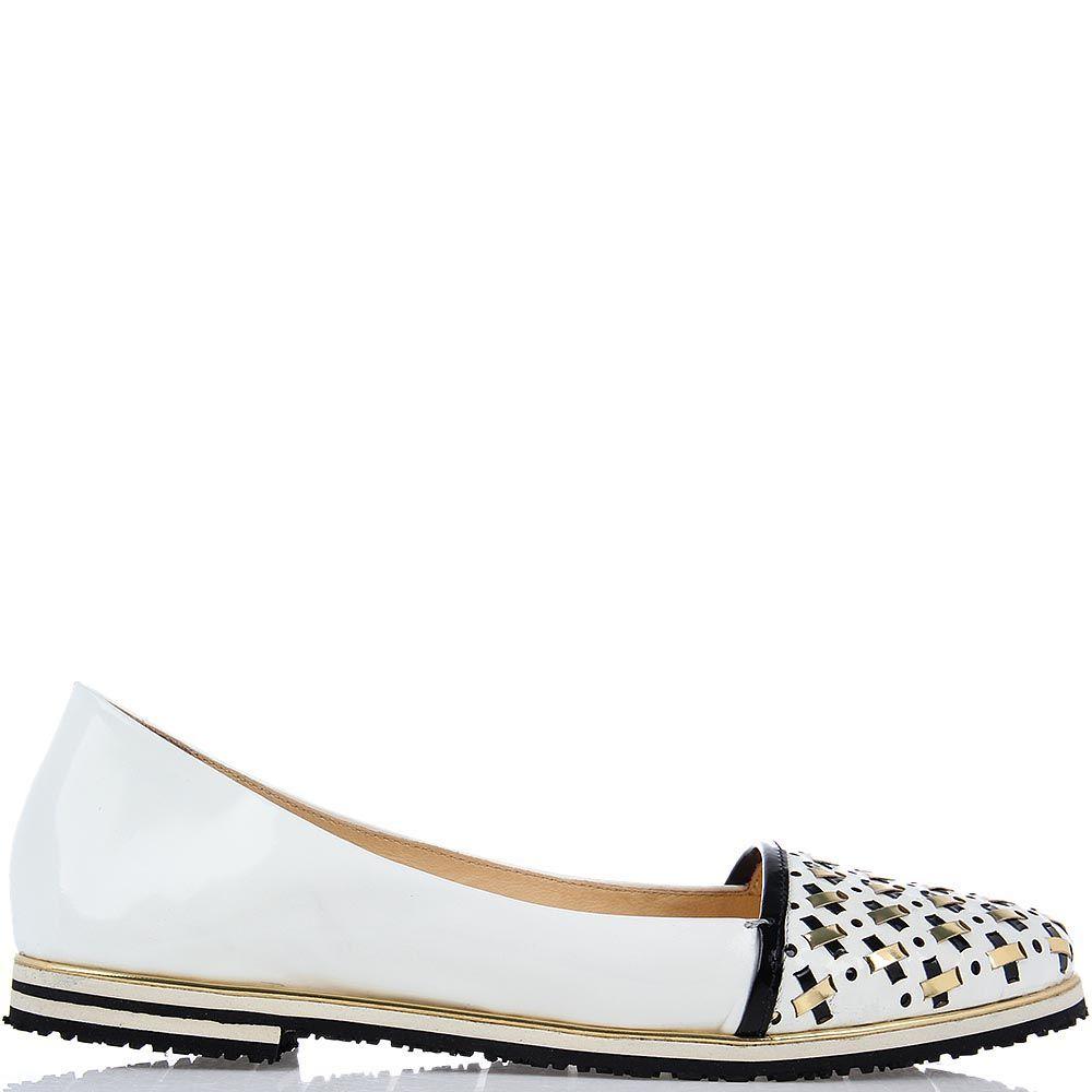 Лаковые туфли FABI белого цвета с черно-золотым переплетением на носочке
