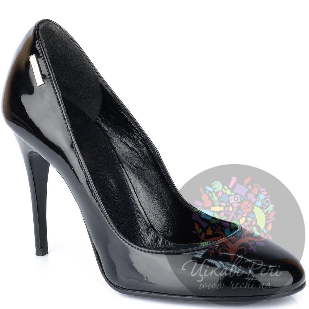 Туфли GF Ferre на шпильке черные лаковые с круглым носком