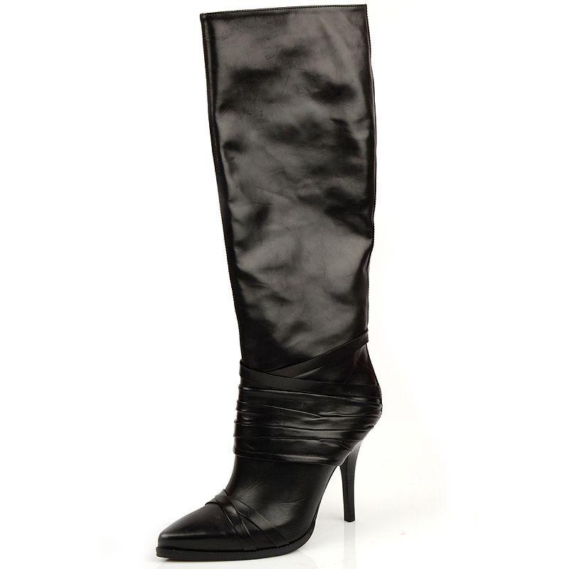 Изящные кожаные сапоги Gianfranco Ferre