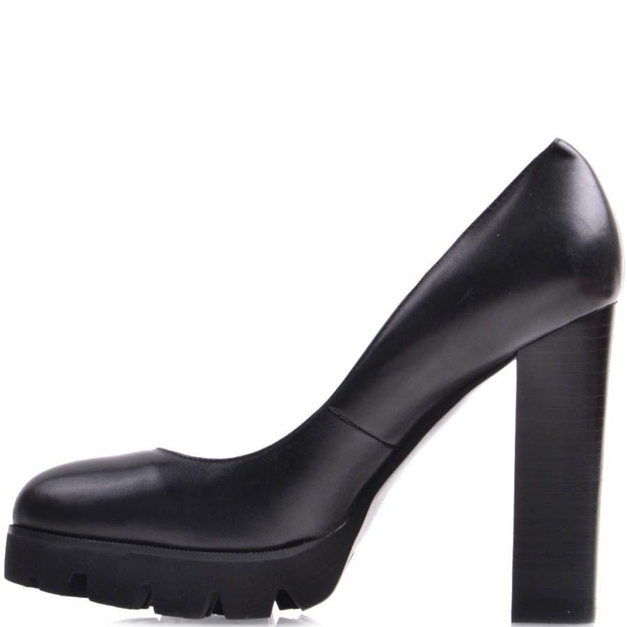 Туфли Prego черного цвета на высоком каблуке и рельефной подошве