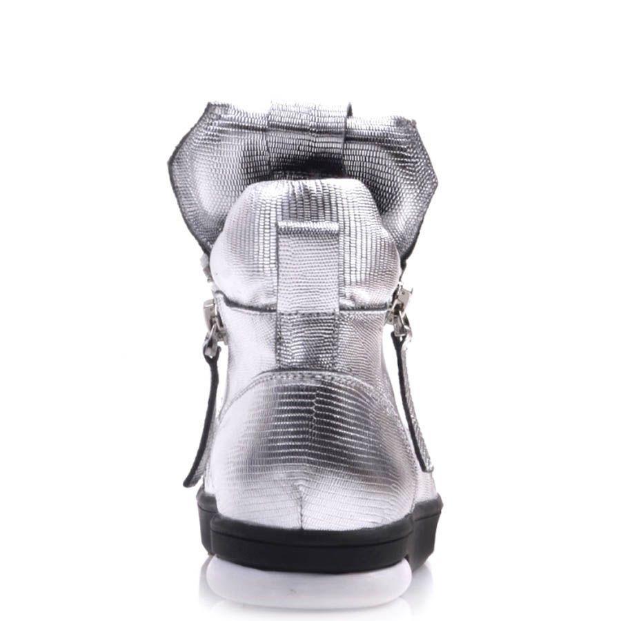 Сникеры Prego кожаные серебристые с серыми вставками на подошве
