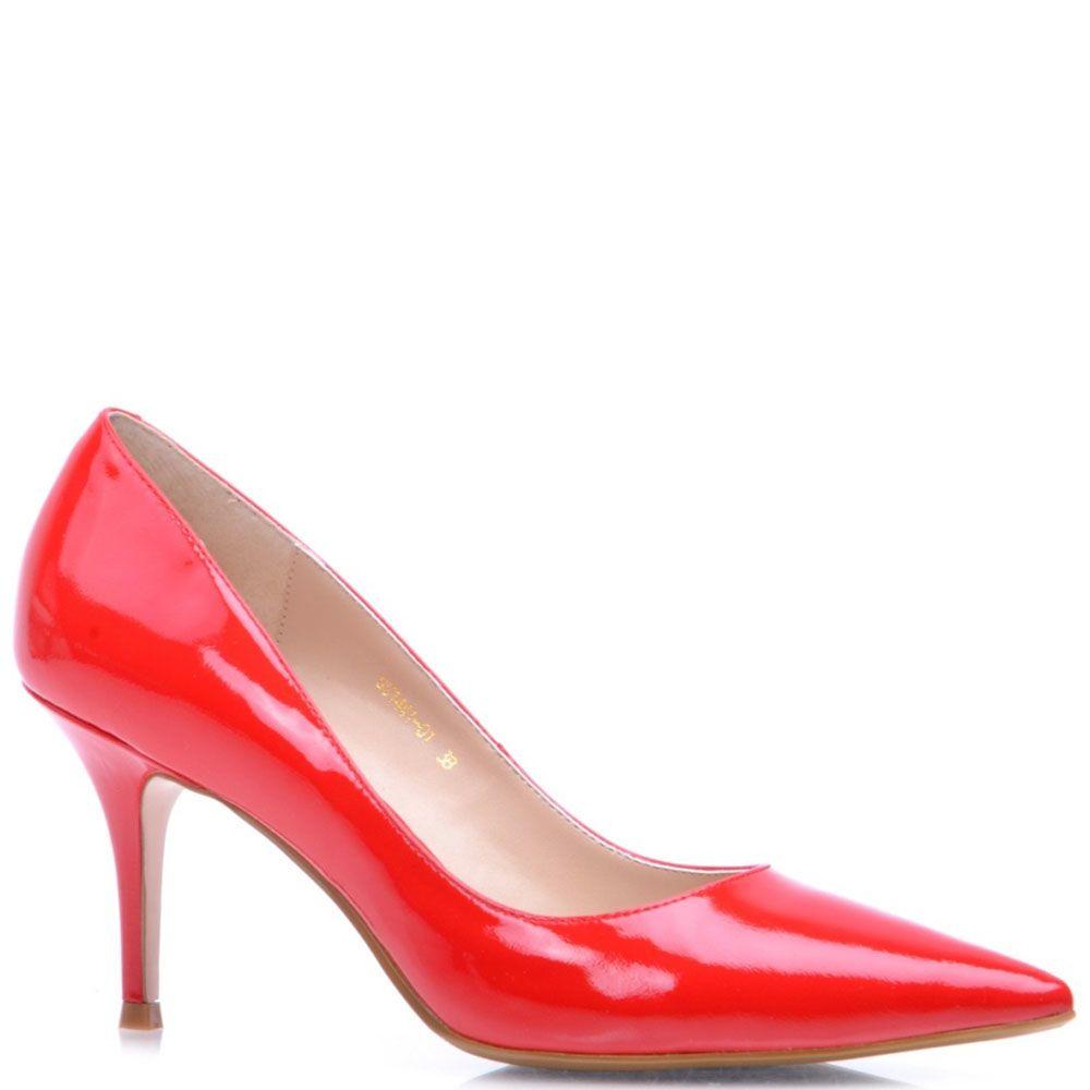 Туфли Prego из лаковой кожи красного цвета на шпильке