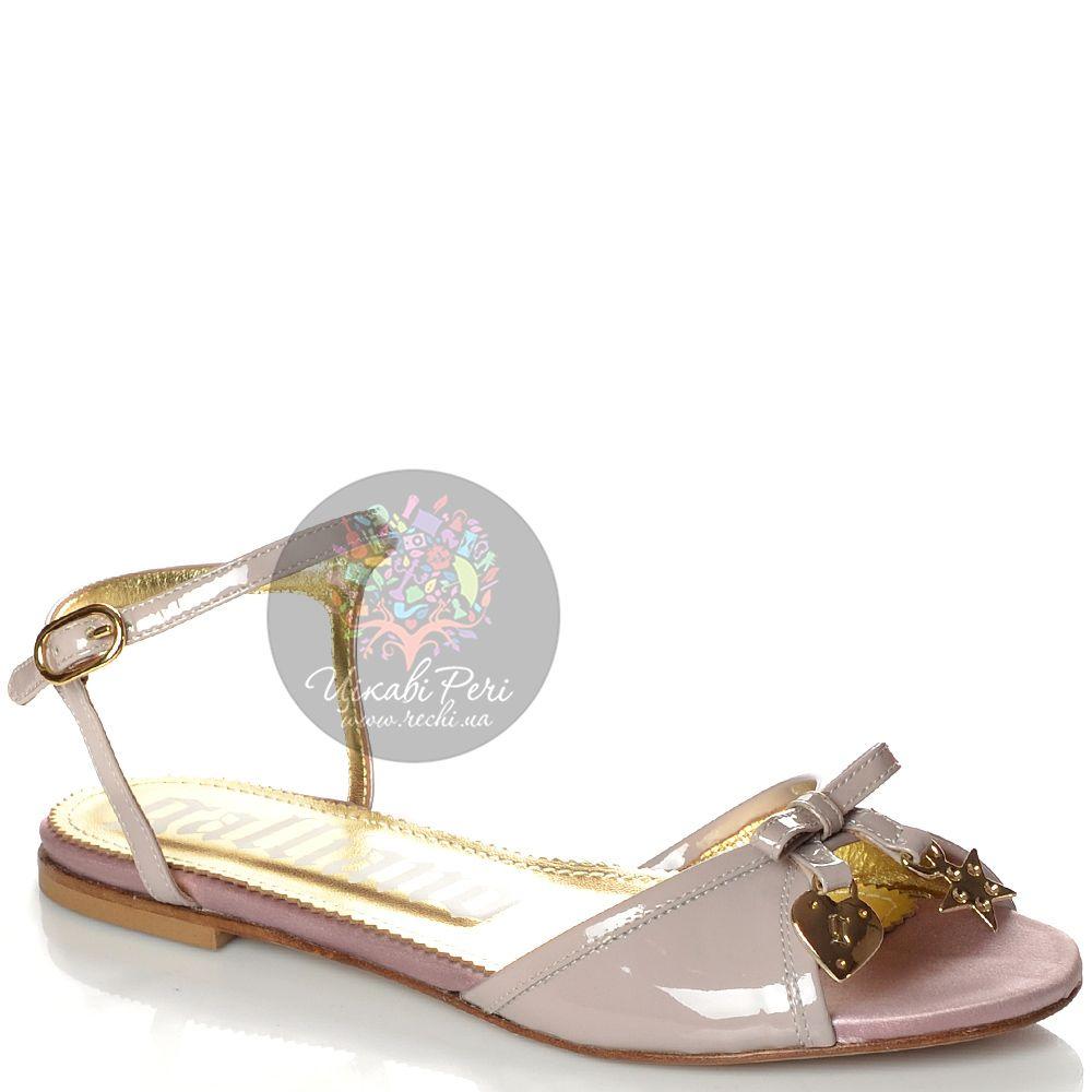 Сандалии Galliano кожаные лаковые серо-бежевые с розовинкой