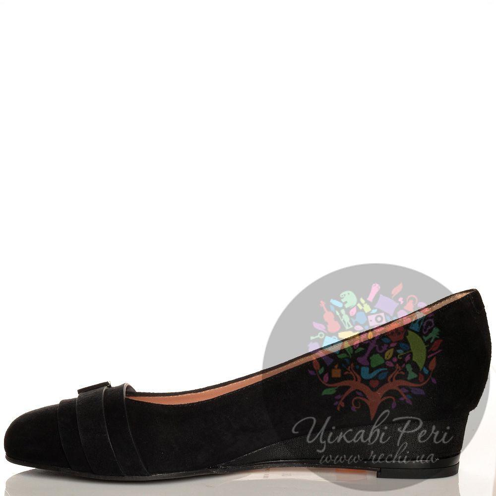 Туфли Giorgio Fabiani черные замшевые на невысокой танкетке