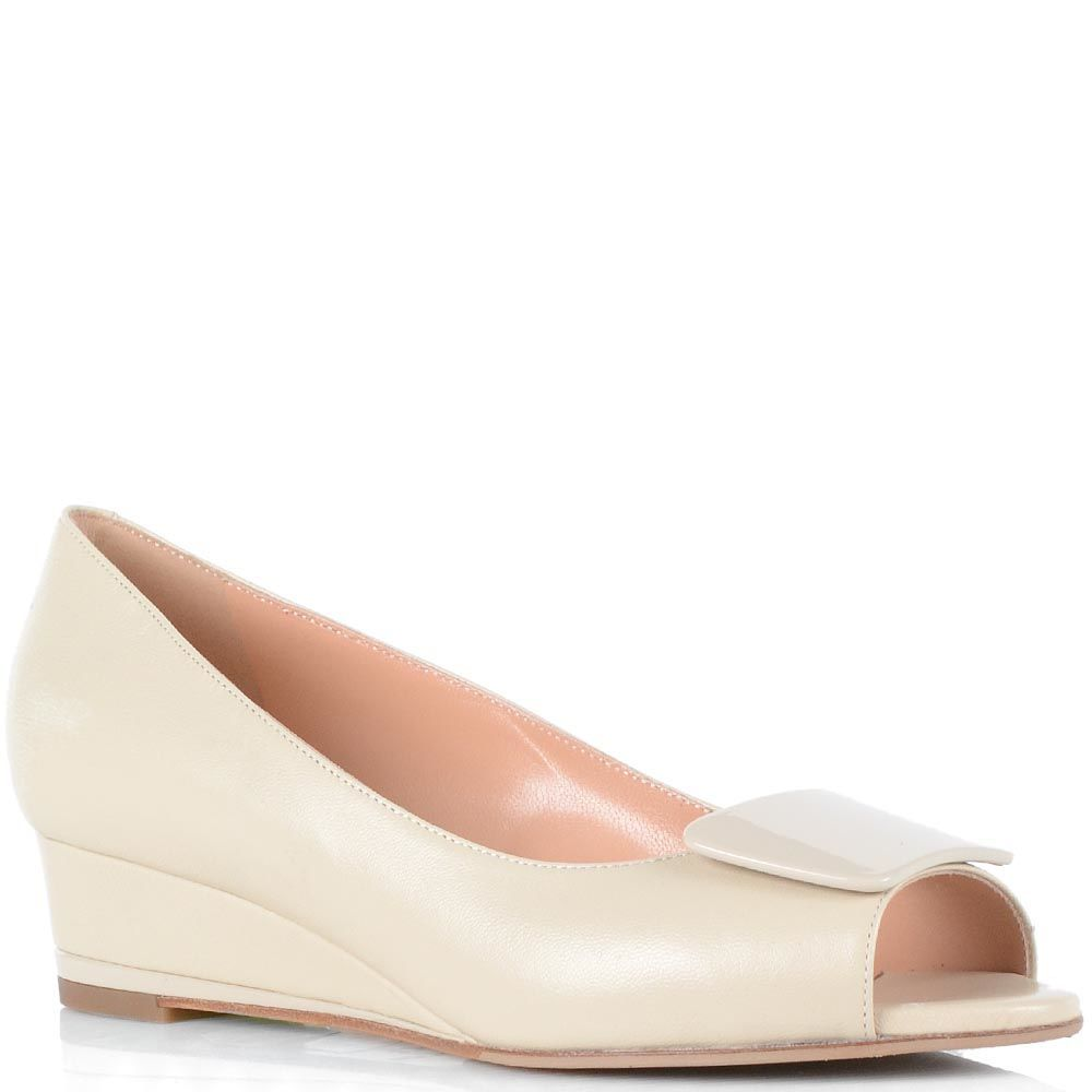 Женские туфли Giorgio Fabiani из полированной кожи молочного цвета