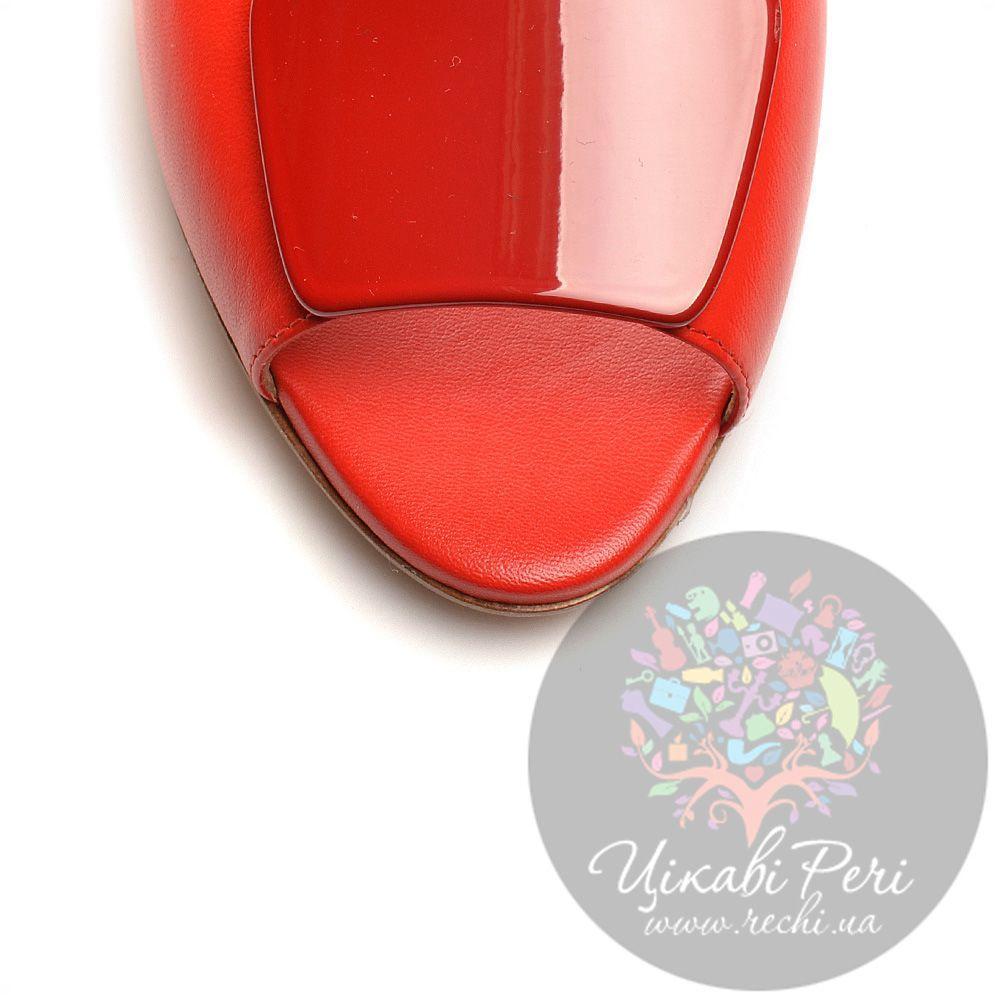 Туфли Giorgio Fabiani с открытым носком красные кожаные на низкой танкетке
