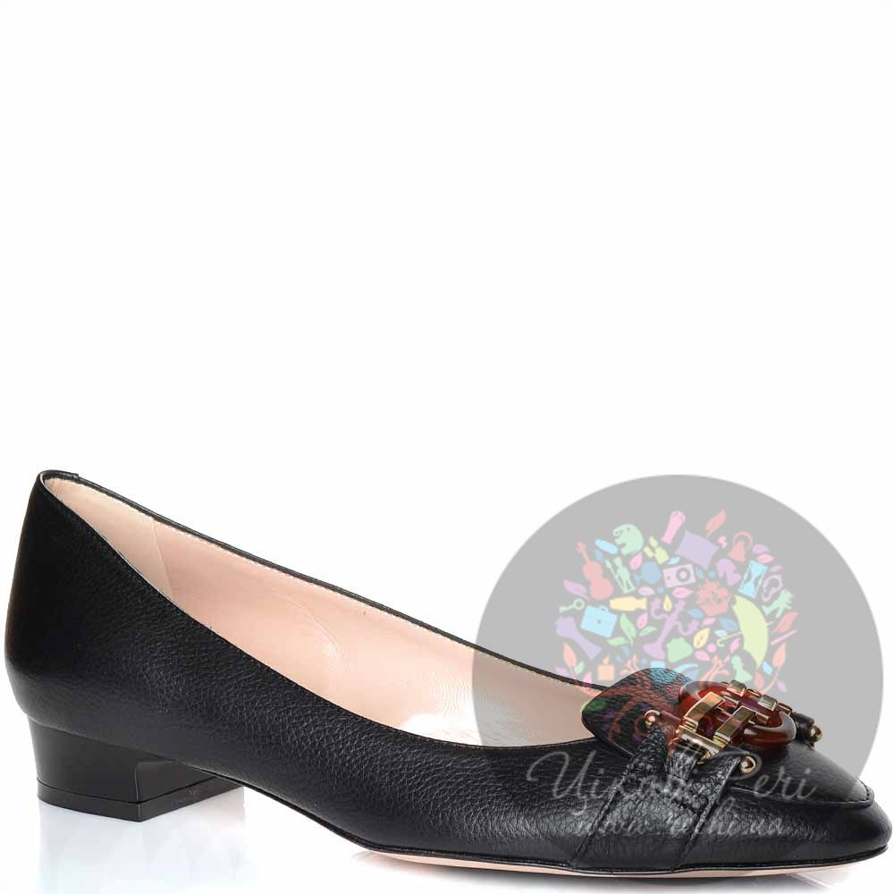 Туфли Giorgio Fabiani на низком каблуке кожаные черные со стильной пряжкой