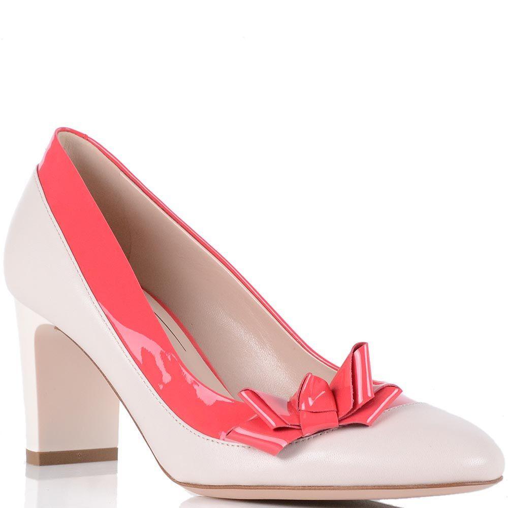 Туфли Giorgio Fabiani бежевого цвета с отделкой из лаковой кожи цвета фуксии