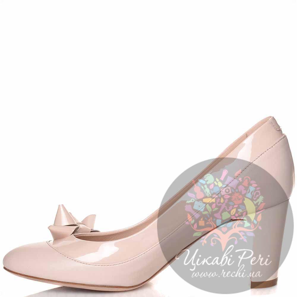 Туфли Giorgio Fabiani кожаные пудровые с лаковой отделкой и изящным бантиком
