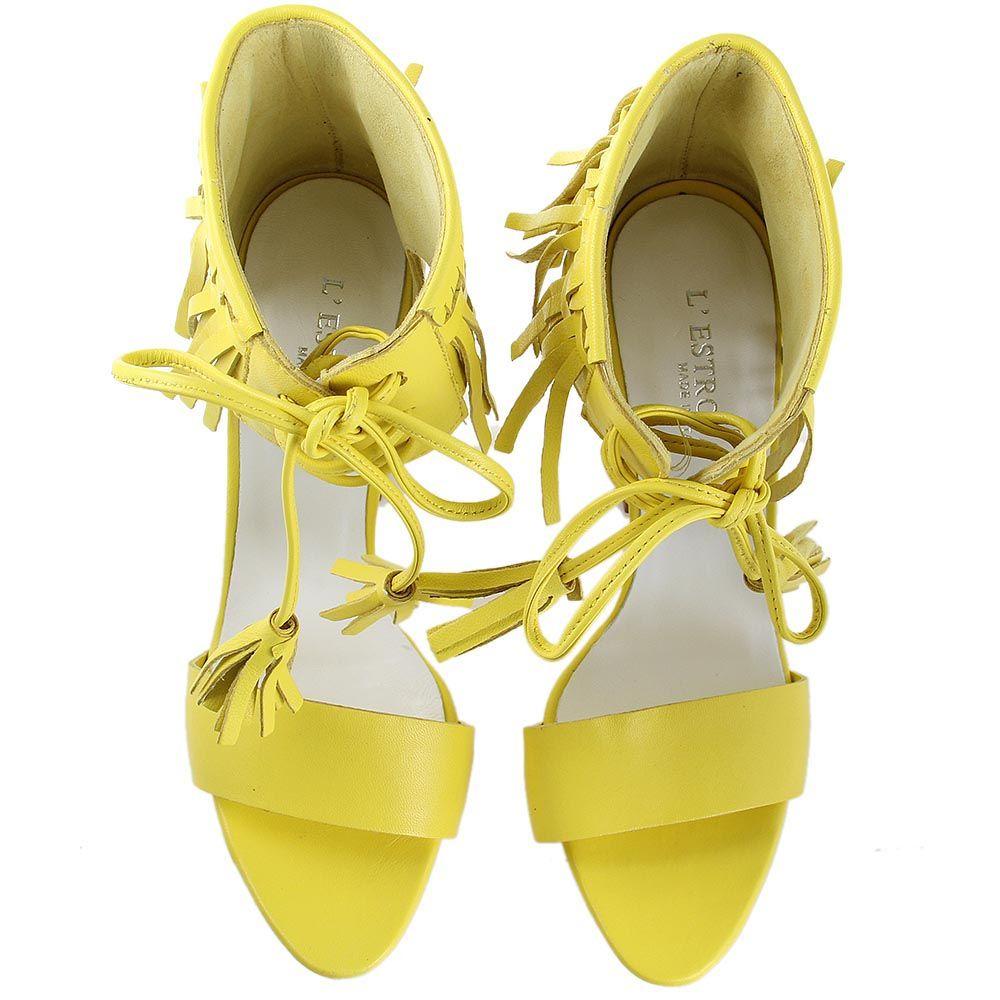 Босоножки lEstrosa из кожи желтого цвета с белыми кисточками