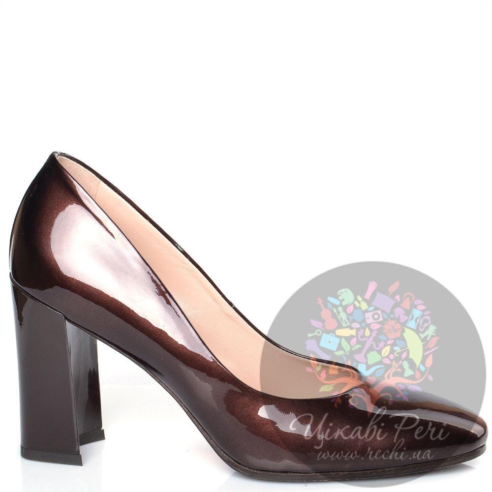 Туфли Giorgio Fabiani коричневые лаковые на модном приталенном каблуке