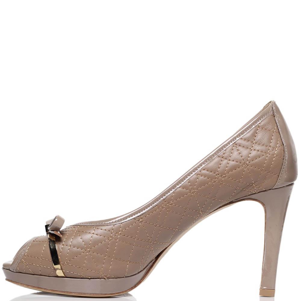 Туфли-лодочки из стеганой кожи бежевого цвета с открытым носочком Dyva