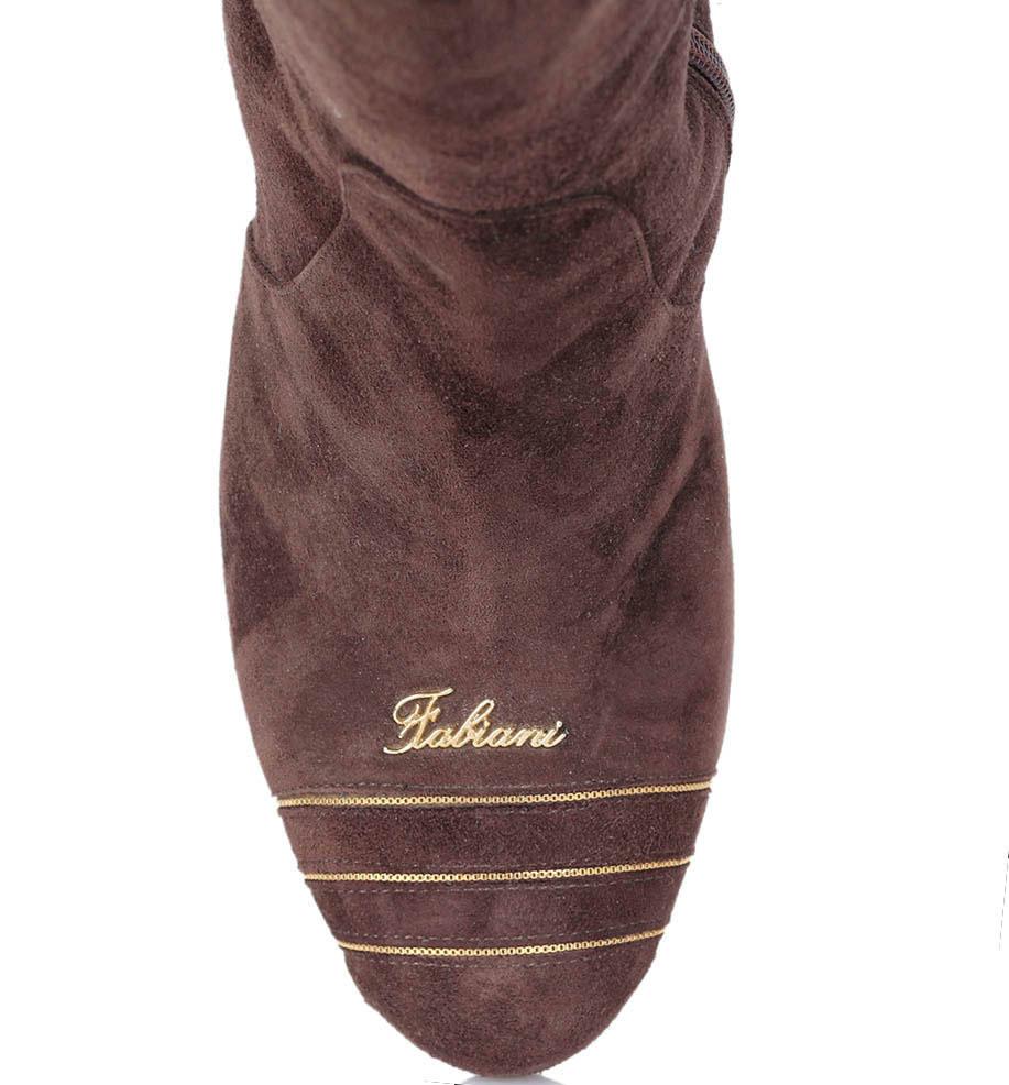 Замшевые сапоги Giovanni Fabiani коричневого цвета на среднем каблуке