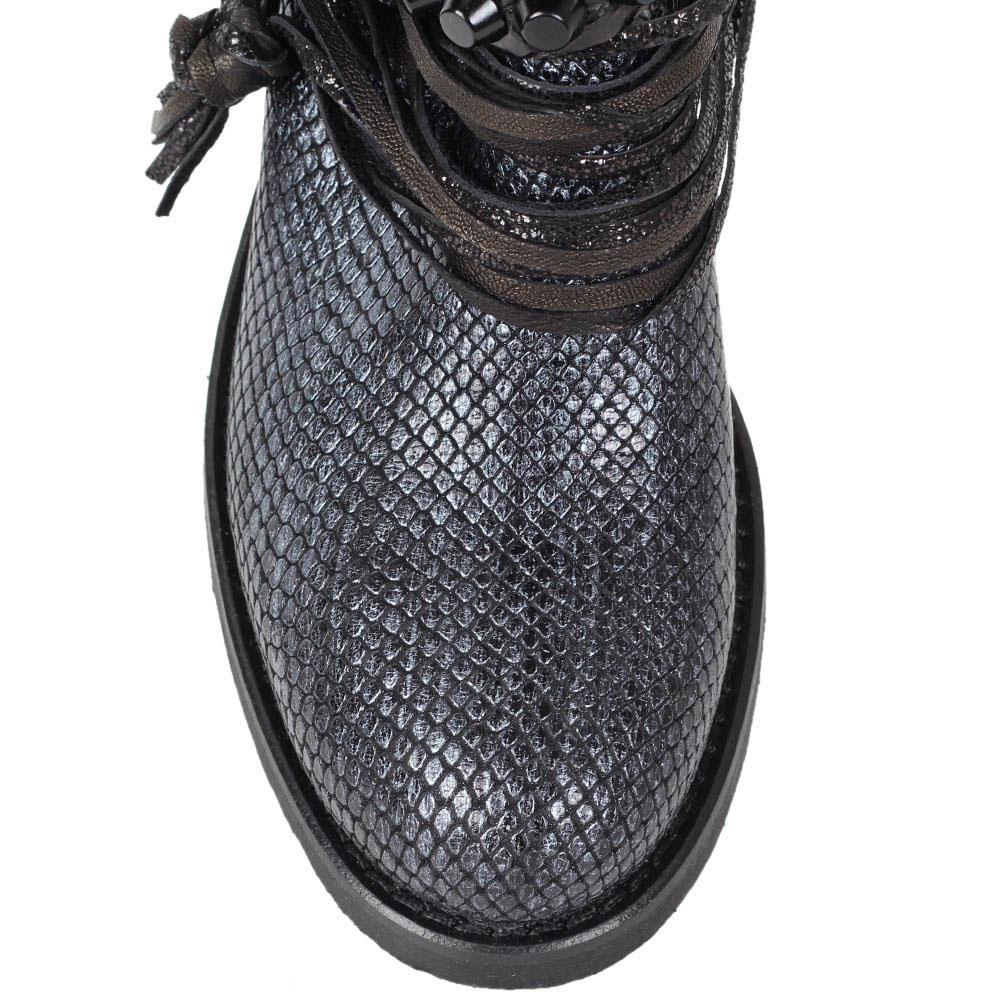 Кожаные ботинки Mimmu синего цвета с декором шнурками и заклепками