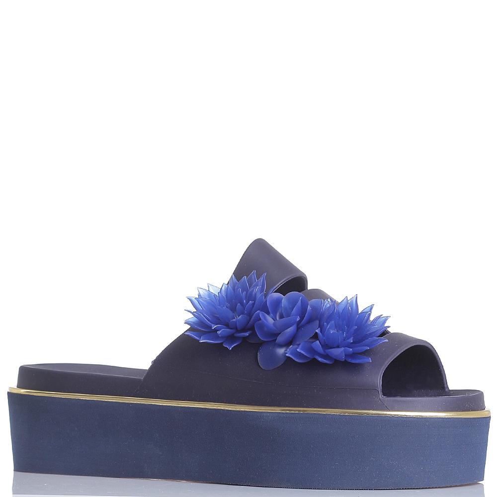 Синие сланцы Menghi на платформе с декором цветами