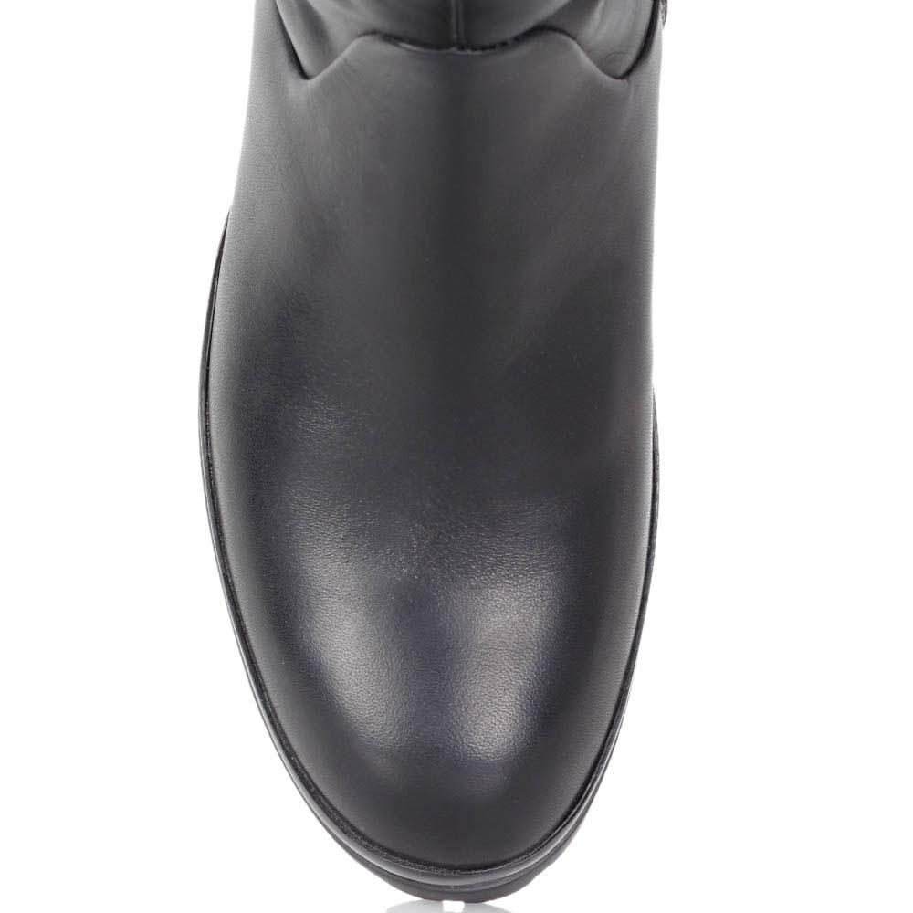 Зимние сапоги FABI из кожи черного цвета