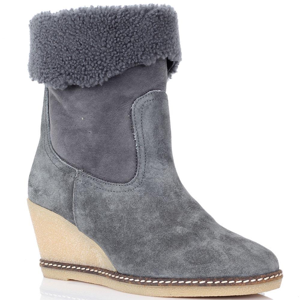 Зимние ботинки Joyks из натуральной замши серого цвета на бежевой танкетке
