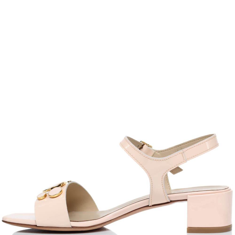 Босоножки из лаковой кожи розового цвета Jeannot на низком каблуке